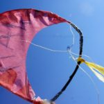 Kinder basteln einen Hawaii Drachen: Aloha in der Luft!