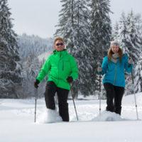 Schneeschuhwandern rund um Baiersbronn und die ganze Familie fühlt sich wie in Alaska.  Foto: Baiersbronn Touristik/Ulrike Klumpp