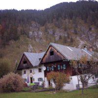 Vorderriß liegt malerisch an der Isar. Hier mündet der wilde Rißbach in den Fluss.   foto (c) kinderoutdoor.de