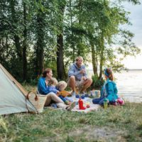 Outdoor mit Kindern an der Mecklenburger-Seenplatte (c) TMV/ Timo Roth