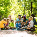 Kinder Outdoor Abenteuer in Schenna: Bienen, Waale und Greifvögel