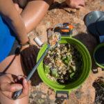 Outdoor Kochen: GSI faltet die Kochtöpfe