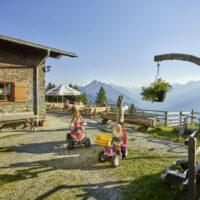 Kinder Outdoor wandern im herbstlichen Tirol foto (c) Innsbruck Tourismus / Christian Vorhofer