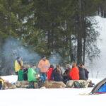 Kinder Outdoor Abenteuer im Winter: Zwei Bretter und vier Pfoten im Kleinwalsertal