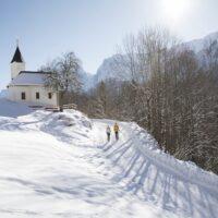 Winter wandern mit Kindern in Tirol foto (c) Tirolwerbung Oliver Soulas