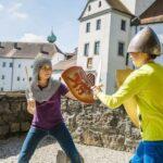 Kinder in bayerischen Jugendherbergen: Ritter, Burgen und edle Fräulein!