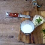 Kinder machen Butter selbst