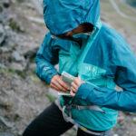 Outdoor Kleidung Rab und Rucksäcke von Lowe Alpine für Gipfelstürmer