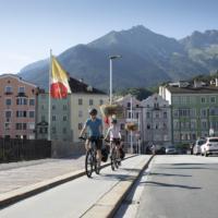Familien radeln um Innsbruck  foto (c) Foto: Tirol Werbung / Oliver Soulas
