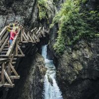 Outdoor Abenteuer für Kinder in der Sigmund Thun Klamm. foto (c) Zell am See-Kaprun Tourismus